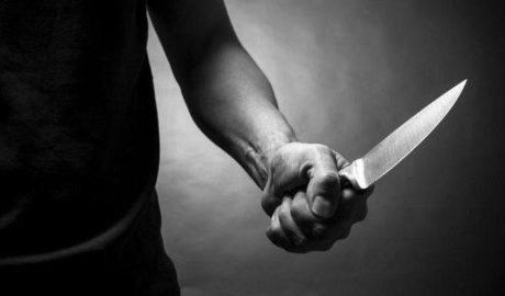 Прохожий ударил ножом в спину мужчину с ребенком 6