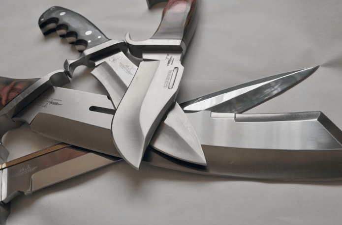 Нож - это оруДие или оруЖие?