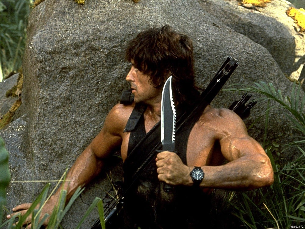 поможет ли в самообороне нож как у Рембо?